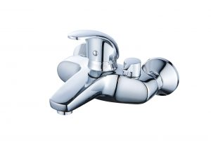 Смеситель для ванны с коротким изливом монолитный D80-330101
