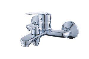 Смеситель для ванны с коротким изливом монолитный D80-330128